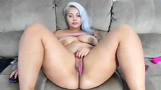 Huge Chick..